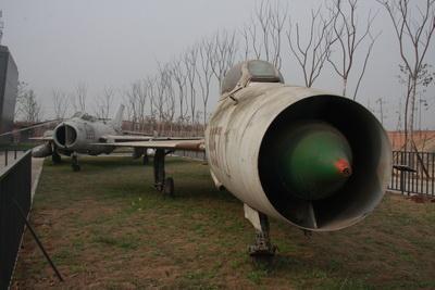 该馆目前收藏了哈尔滨飞机制造公司研发的中国第一种